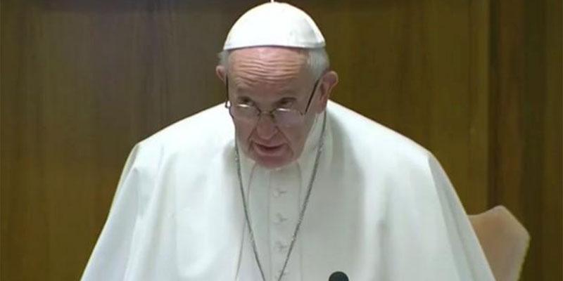 البابا فرنسيس يدعو إلى اعتبار المسلمين شركاء ويحث على تعلم العربية
