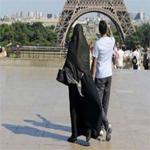 العثور على فرنسية في الخامسة عشر من العمر تستعد للسفر إلى سوريا للجهاد