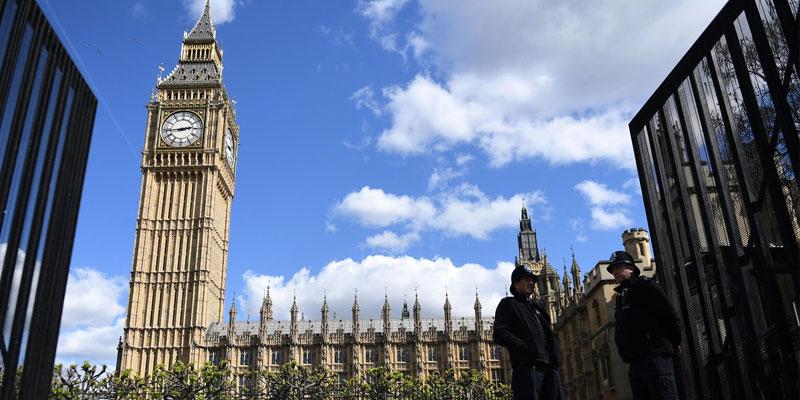 Alerte incendie en Grande-Bretagne, le parlement de Westminster évacué