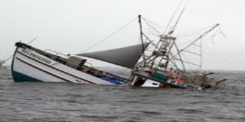 إنقاذ 11 بحارا تونسيا من الغرق بعد أن صدمت مركبهم باخرة تجارية