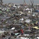 إعصار ''هايان'' يقتل عشرة آلاف شخص في الفلبين و تعطل لعمليات الإغاثة