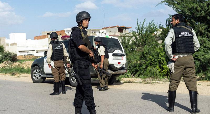 سليانة: اصابة احد المهربين بطلق ناري في الساق بعد ان حاول دهس اعوان الحرس