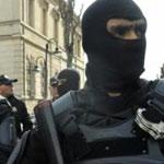 خلية الأزمة برئاسة الحكومة تقرر رفع درجة اليقظة والتأهب الأمني