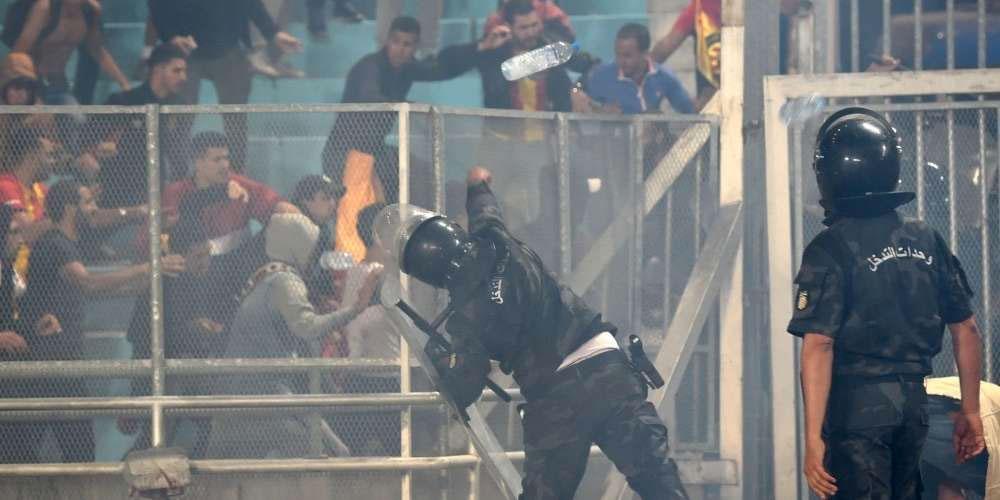 Les stades, berceau de la révolution ? Les Ultras dans le collimateur des médias français