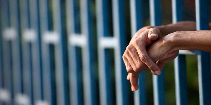 En France, environ 450 détenus radicalisés sortiront de prison d'ici fin 2019