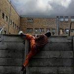 هروب 92 سجينا ليبيا من سجن زليتن و السلطات تطالب الهاربين بالرجوع