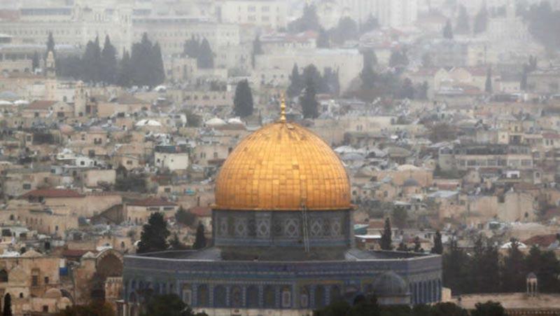 محمود عباس يصل إلى القاهرة لحضور مؤتمر الأزهر لنصرة القدس