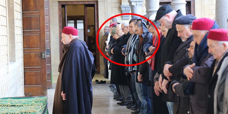 بالصّور : راشد الغنوشي يحضر جنازة الوزيرة السّابقة فتحية مزالي و يزور والي المنستير