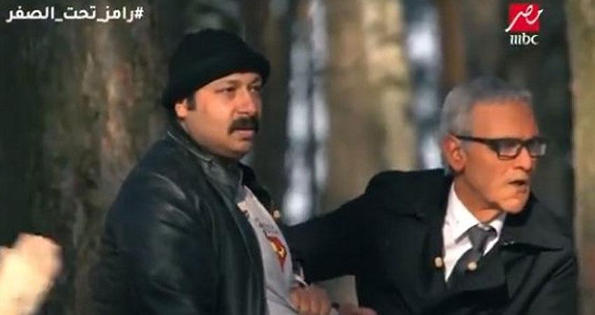 بالفيديو.. هروب سريع لمحمد ثروت بعد رؤية النمر المفترس في رامز تحت الصفر