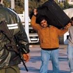 Libye : les journalistes libérés ont franchi Ras Jedir