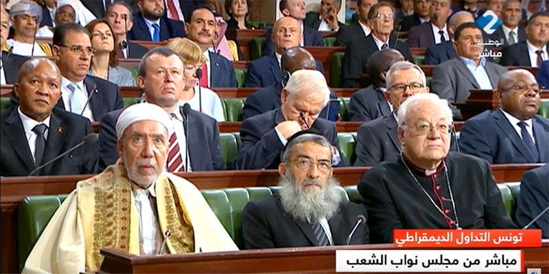 صورة اليوم: عندما تجتمع الديانات الثلاثة تقديسا للديمقراطية في تونس