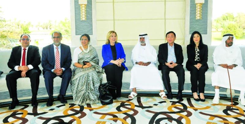 بحث التعاون السياحي والعلمي التونس الإماراتي