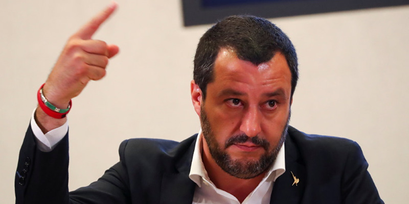Covid-19: Salvini menace de quitter l'UE