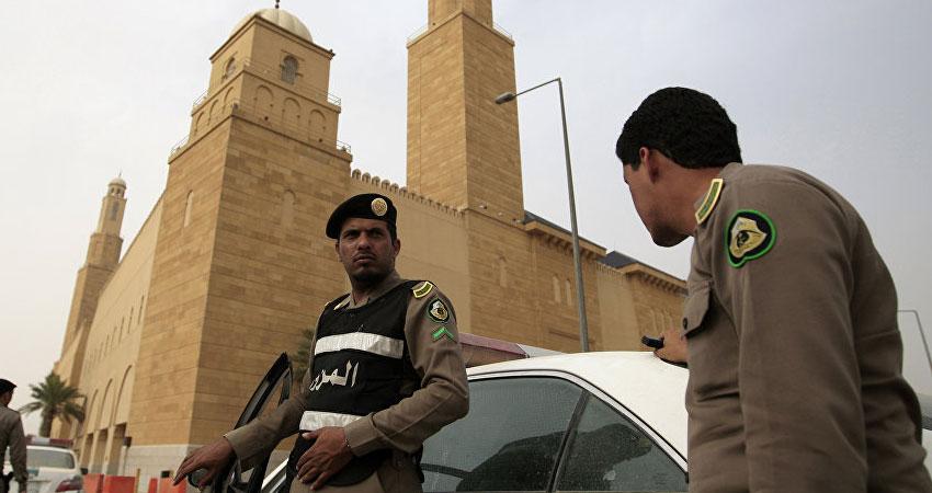 السعودية :مقتل ثلاثة شرطيين في اطلاق نار على نقطة تفتيش