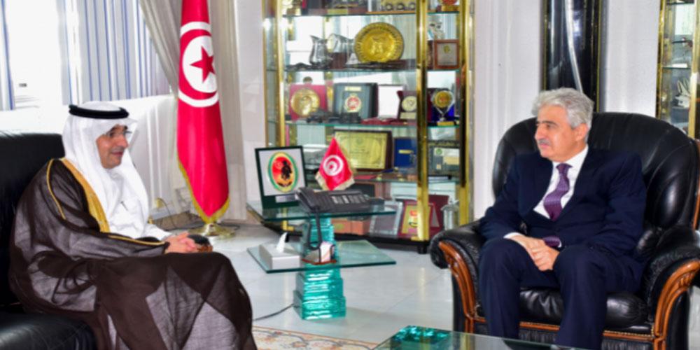 تطوير التعاون العسكري محور لقاء وزير الدفاع بسفير السعودية بتونس