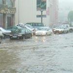 مصرع 4 أشخاص وفقدان 10 آخرين نتيجة فيضانات في السعودية