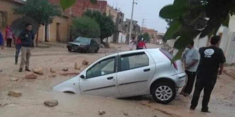 سبيطلة: حفرة تتسبب في غرق سيارتين