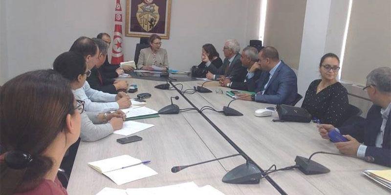 وزيرة المرأة جلسة عمل مع وفد من الجمعية التونسية لقرى SOS