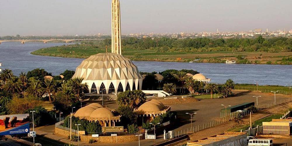 السودان يسمح بفتح كافة المساجد والكنائس بالخرطوم