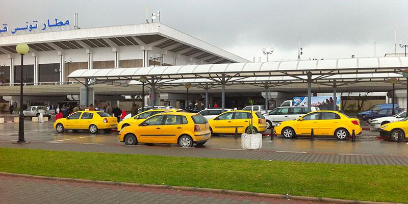 Un chauffeur de taxi se jette du pont de l'aéroport de Carthage