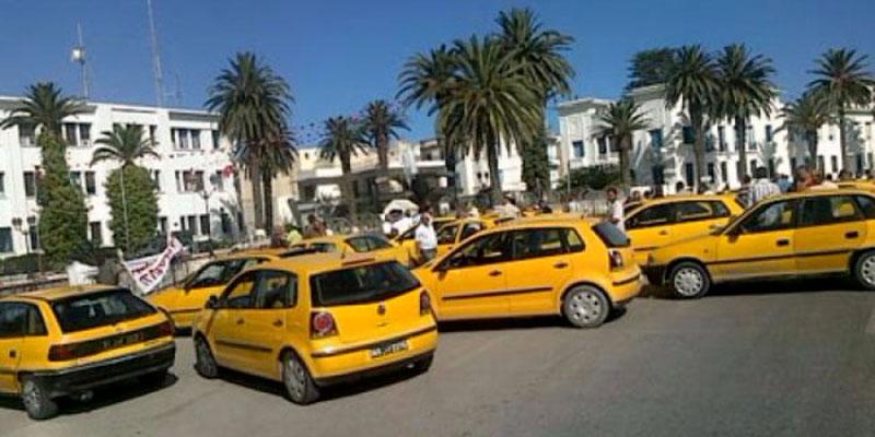 Les taxis manifestent devant l'ARP