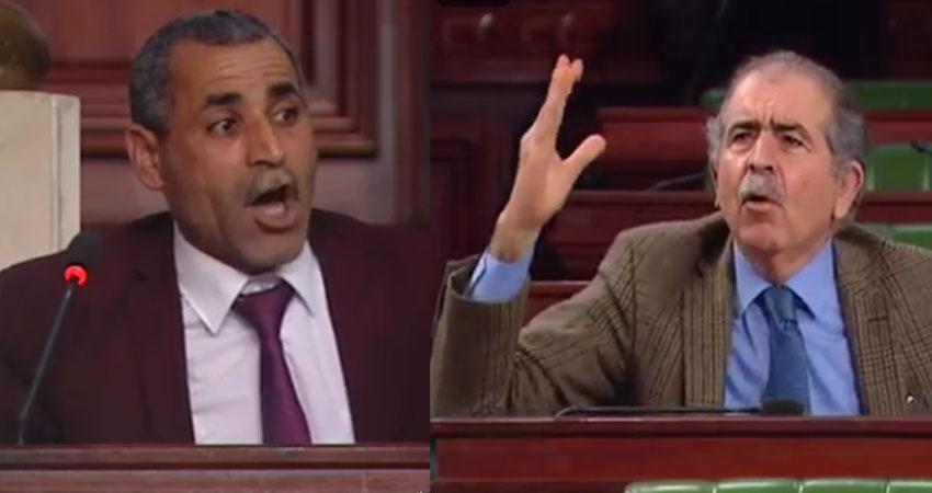 علي بنور ينفجر في وجه فيصل التبيني (فيديو)