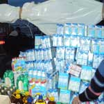En images : Tente géante à Ennasr pour la collecte de dons au profit des réfugiés de Ras Jedir