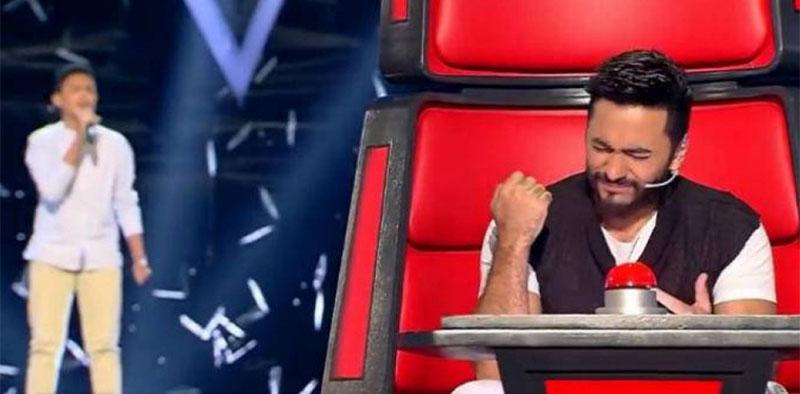 تامر حسني يفاجئ طفل thevoicekids الخاسر بهذه التغريدة