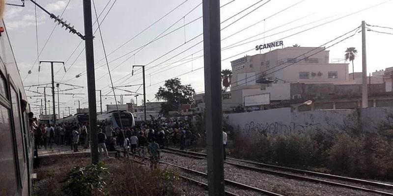Des manifestants bloquent la circulation des trains au niveau de Rades