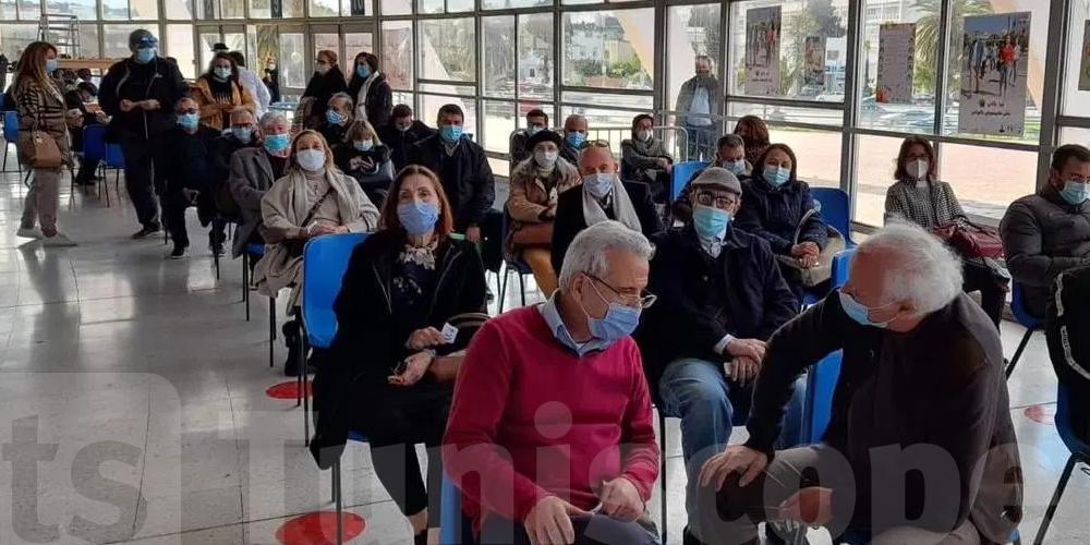 Combien de Tunisiens sont-ils complètement vaccinés ?