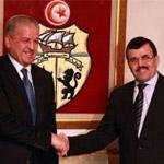 إستقبال عدد من أعضاء الحكومة للوزير الأول الجزائري