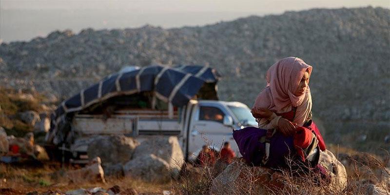 خلال 4 أيام.. نزوح 31 ألف سوري باتجاه الحدود التركية