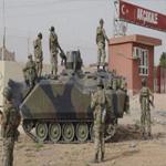 الجيش التركي يجلي المدنيين والصحافيين من المنطقة الحدودية مع سوريا