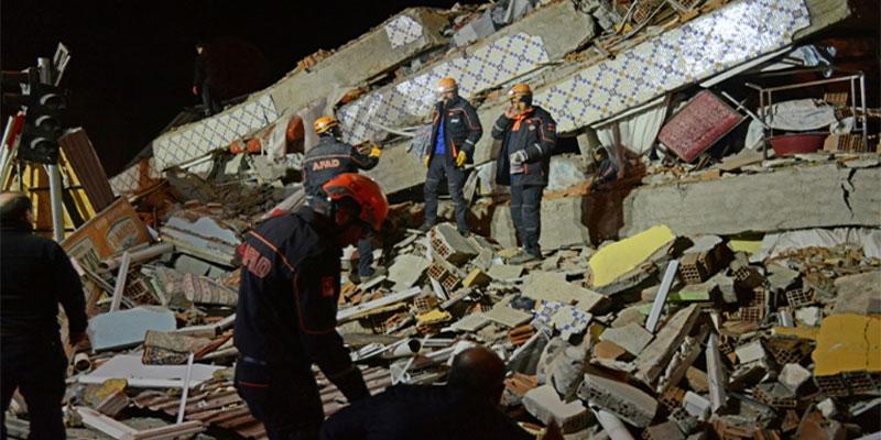 Turquie: au moins 20 morts dans un puissant séisme