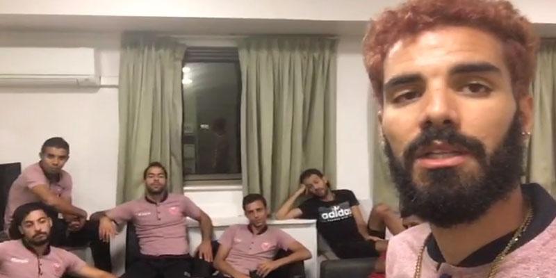 بالفيديو: لاعبو فريق كرة القدم المصغرة يردون على خبر سرقتهم أحذية من محل في أستراليا