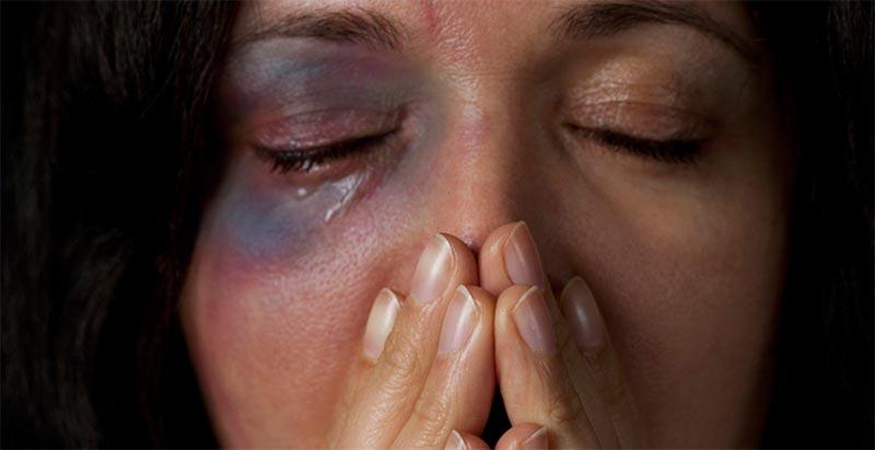تسجيل 100 قضية عنف مٌسلط على المرأة والطفل