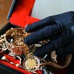 معينة منزلية محل 6 مناشير تفتيش تستولي على مليار من الذهب
