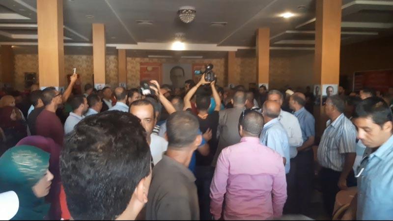 Youssef Chahed se retire d'un meeting à Kasserine