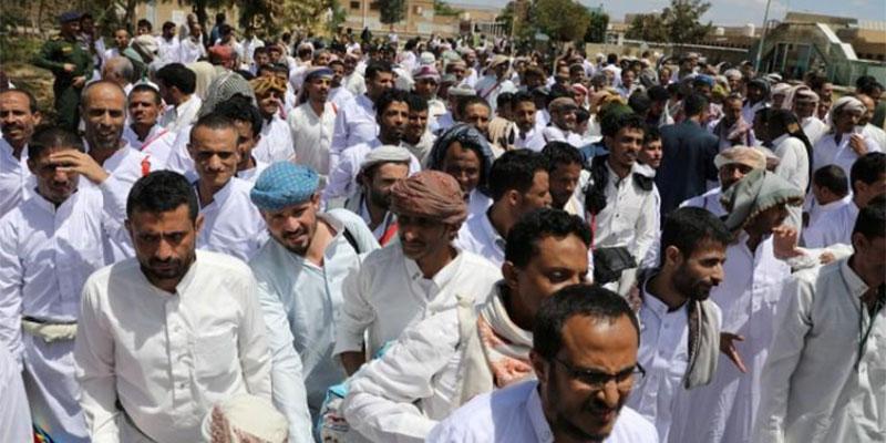 الحوثيون يفرجون عن مئات الأسرى من جانب واحد
