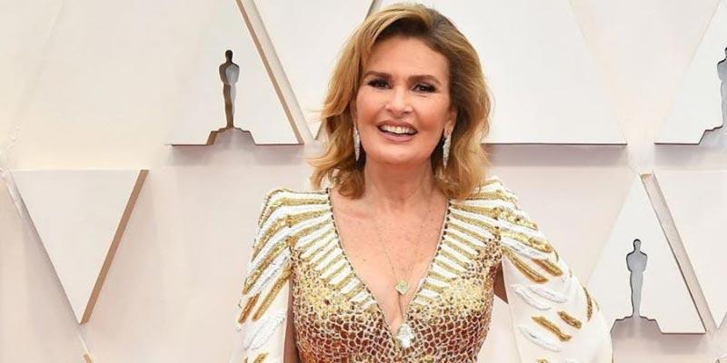 يسرا تخطف الأنظار بفستانها في حفل الأوسكار 2020