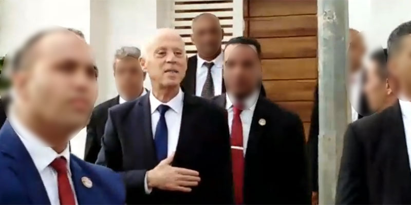 بالزغاريد، قيس سعيد يغادر منزله في إتجاه البرلمان لأداء القسم