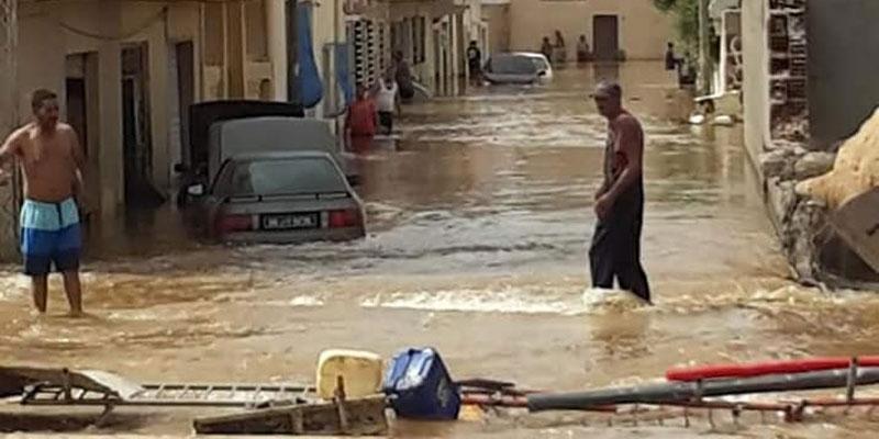 بالصّور و الفيديو : المياه تغمر السيارات و تشلّ حركة المرور بسبب الأشغال في الزهروني