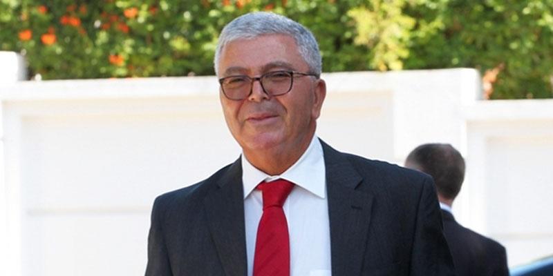 Le ministre de la défense nationale démissionne