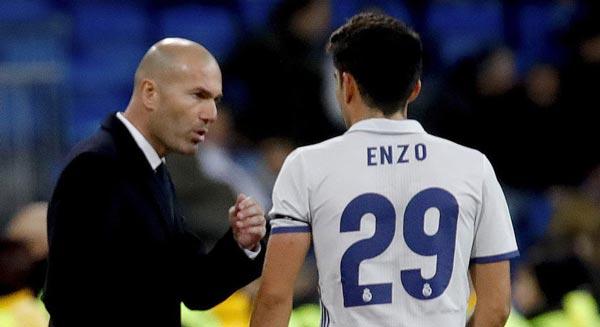 Sur les pas de son père : Premier match avec le Real et... premier but pour Enzo Zidane