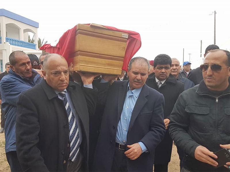 بالصّور : جنازة ام الخير أرملة الزعيم الوطني فرحات حشاد