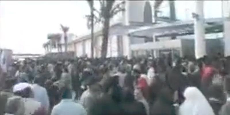 Le reportage décalé de Nejib Belkadhi à l'ouverture de Carrefour en 2001