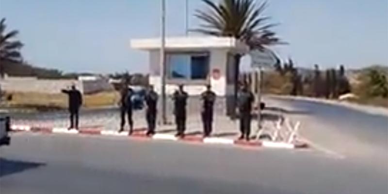 بالفيديو : تحية للشهيد حسام بن خليفة أثناء مرور موكب جنازته أمام مقر فوج وحدات التدخل بنابل