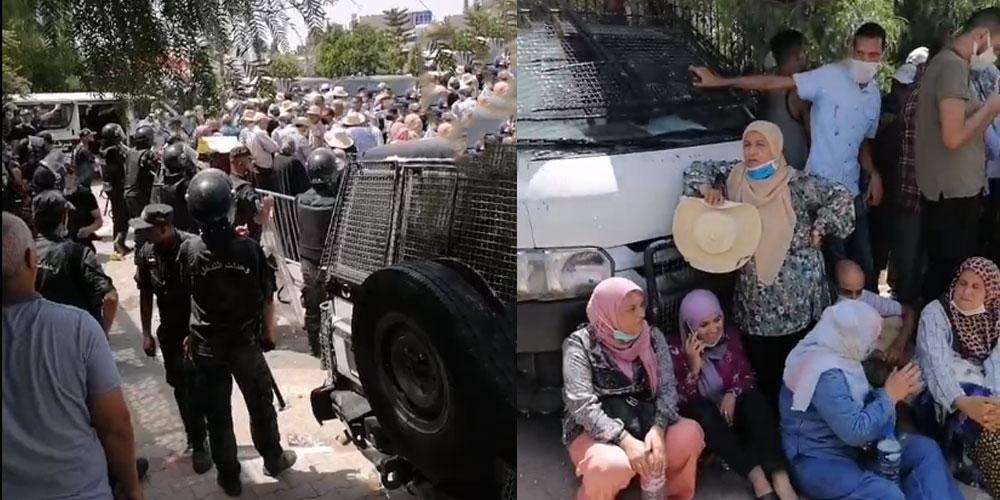 تجمع أنصار النهضة أمام البرلمان